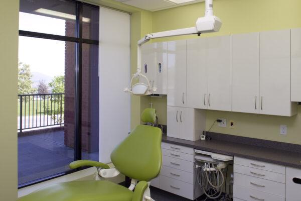 Dr. Desia Dentist Office-360